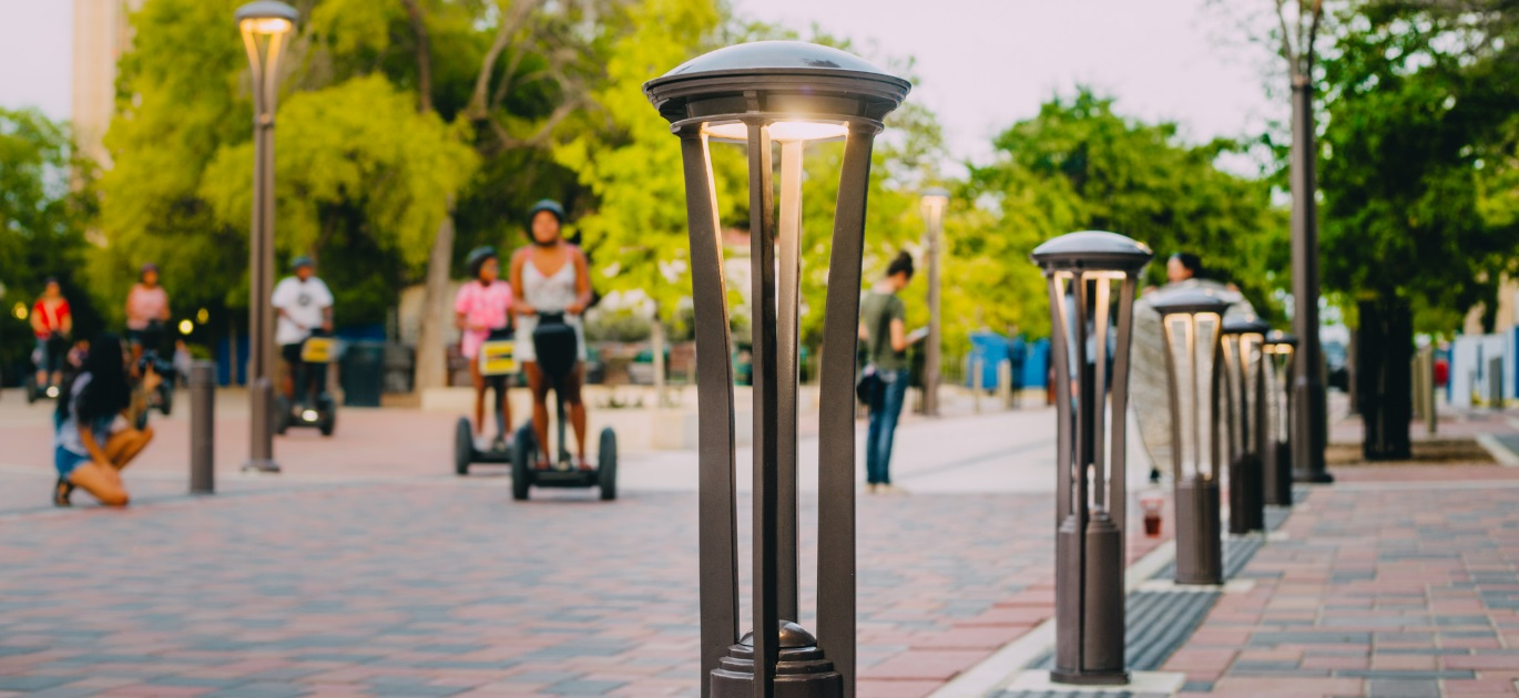 Hawthorne Path Light