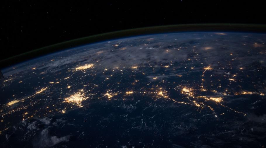 Imagen espacial de la Tierra, cortesía de NASA